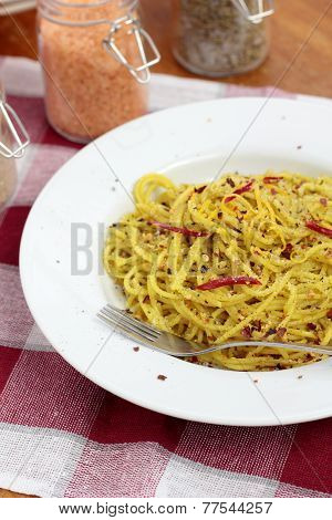 Spaghetti with pesto.