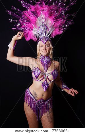 female samba dancer