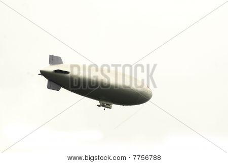 recortadas de um zeppelin