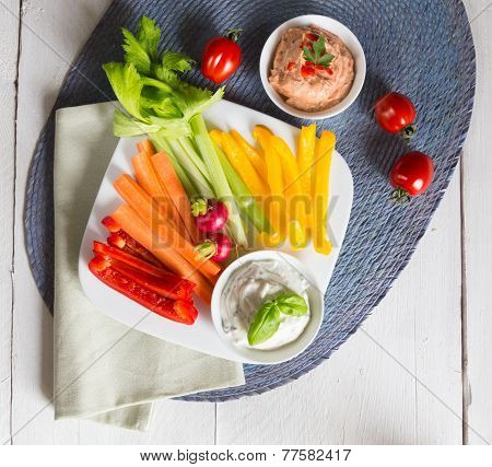 Vegetable Sticks With Herb And Tomato Dip