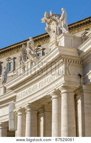 Particular of San Pietro's colonnade