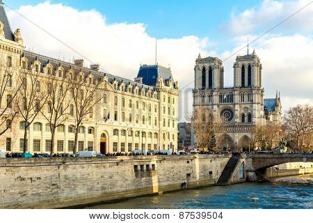 PARIS, FRANCE - CIRCA DEC 2014: Siene River and the Notre-Dame Cathedral in Paris, France.