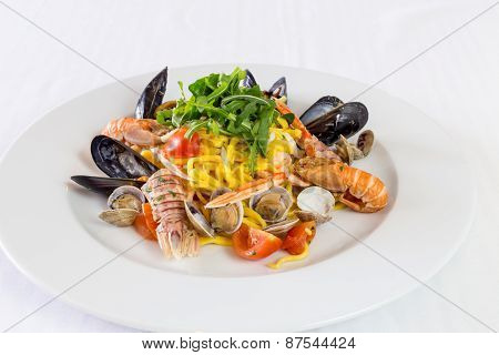 Noodles With Mussels And Shrimp