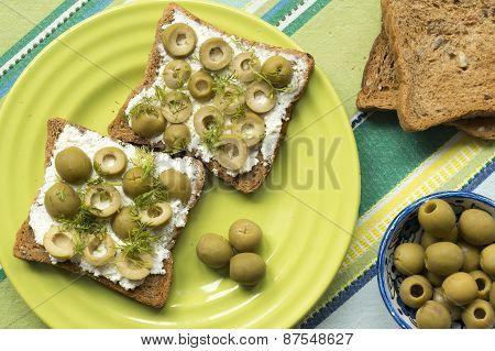 Olive Toasts