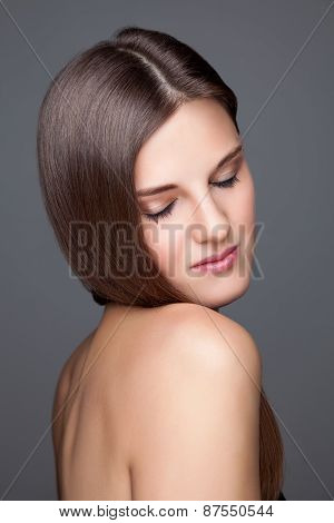 Beautifu Brunette With Long Straight Hair