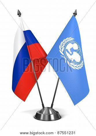 Russia and UNICEF - Miniature Flags.