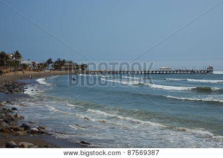 Huanchaco Pier