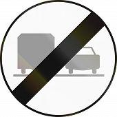 pic of rear-end  - Austrian traffic sign - JPG