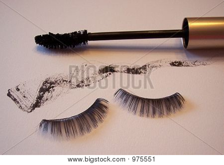 Mascara Wand Smear And Lashes