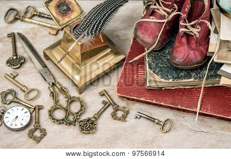 Antique Photo Albums, Keys, Office Supplies And Baby Shoes