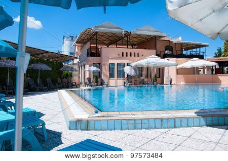 Mansion with Swimming Pool in Yard