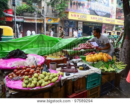 Street Trader Sell Fruits Outdoor In Kolkata, India