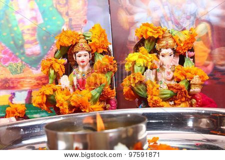 Goddess Lakshmi And Lord Ganesha Statue, Pray Concept