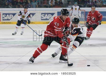 Mannheim, Deutschland November 09: Eishockey Deutschland Weltmeisterschaft Deutschland vs. Kanada (Ergebnis 0: 3) November 09