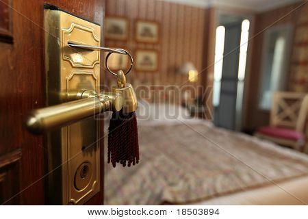 Um quarto de hotel agradável