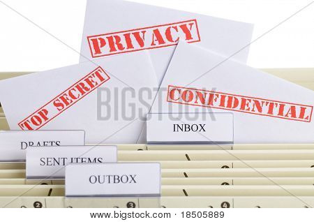 El símbolo para la privacidad del correo electrónico - una carpeta de archivo con la bandeja de entrada, buzón de salida y spam