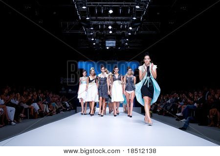 VALENCIA, SPAIN - SEPTEMBER 1: Models on the catwalk wear Tonuca design for the Valencia Fashion Week on September 1, 2010 in Valencia, Spain.
