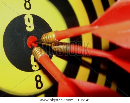 Darts In Center