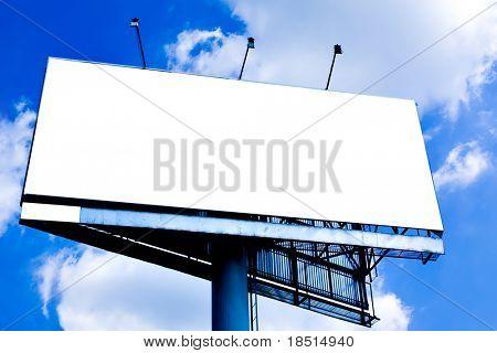 Leer groß Plakat über blauer Himmel, setzen Sie Ihren text