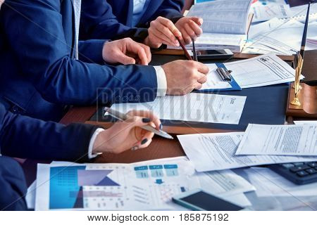 working with people and teams essay Leadership essay for class 5, 6, 7, 8, 9, 10, 11 and 12  as a leader you must  not judge and form an opinion about your team members, instead provide your   others are inspired by such people and work upon embedding this quality.