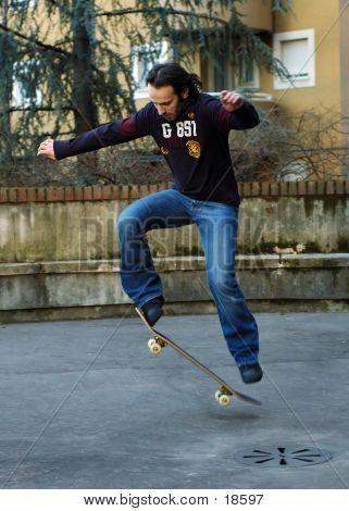 Junge Skateboard II