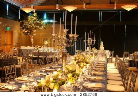 Large Wedding Reception Table Setting
