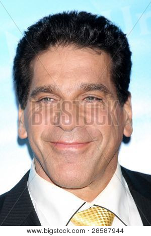 LOS ANGELES - JAN 6:  Lou Ferrigno arrives at the NBC Universal All-Star Winter TCA Party at The Athenauem on January 6, 2012 in Pasadena, CA