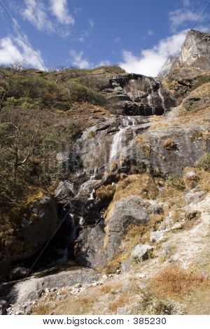 Tenga Waterfall - Nepal
