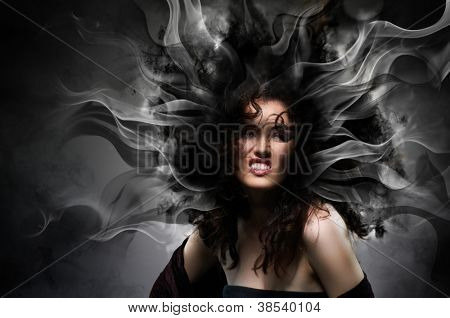 Joven bruja hermosa. Día de Halloween