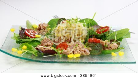 Green Salad With Tunny