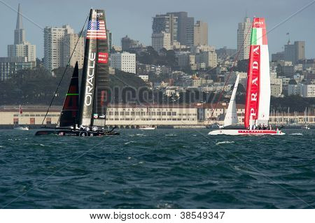 SAN FRANCISCO, CA - OCTOBER 4: Oracle Team USA and Italy's Team Luna Rossa Piranha compete in the America'?s Cup World Series sailing races in San Francisco, CA on October 4, 2012