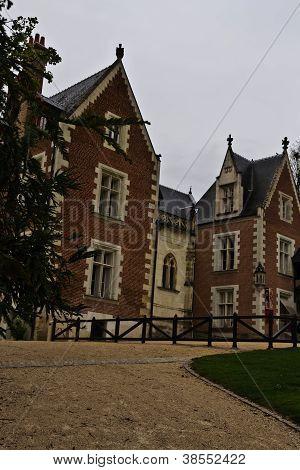 Clos Luce Manor Home