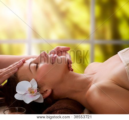 Spa-Gesichtsmassage