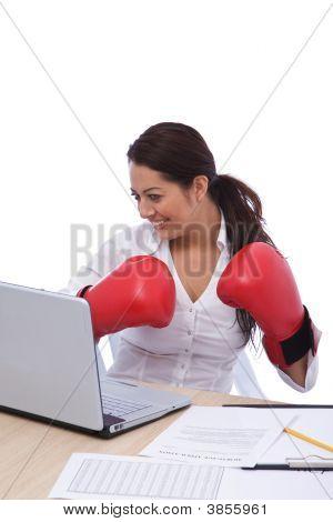 geschäftsfrau bereit für Boxen
