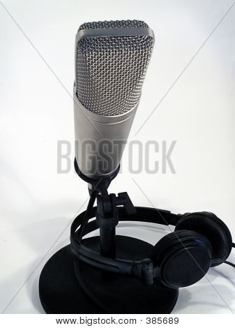 Broadcast Microphone & Headset
