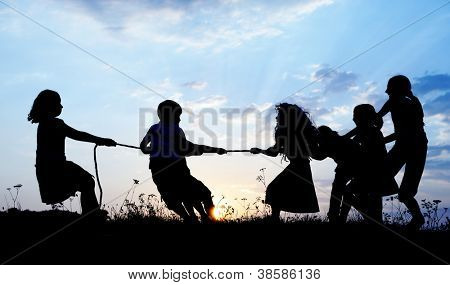 Kids Tug War Playing