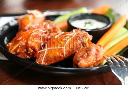 Buffalo Wings With Bleu Cheese Dipping Sauce