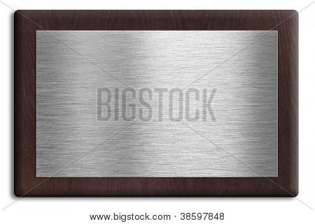 Placa de madera con placa de plata, aislada en blanco. Se incluye el trazado de recorte.