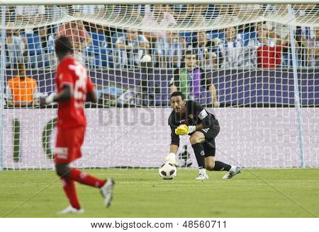 MALAGA, SPAIN. 19/09/2010. Sevilla's goalkeeper Andr�?�?�?�©s Palop (captain) in action during the La Liga match between CF Malaga and Sevilla, played in the La Rosaleda Stadium