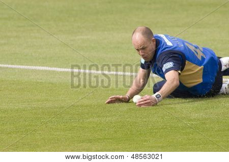 May 03 2009; Southampton Hampshire, B Taylor  dives to prevent a boundry competing in Friends Provident trophy 1 day cricket match between Hampshire and Leicestershire played at the Rose Bowl.