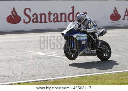 27 Sept 2009; Silverstone England: Rider number 2 Leon Camier (GBR) riding for Airwaves Yamaha during race 1 of round 11,  at the MCE Insurance British Superbike Championship: