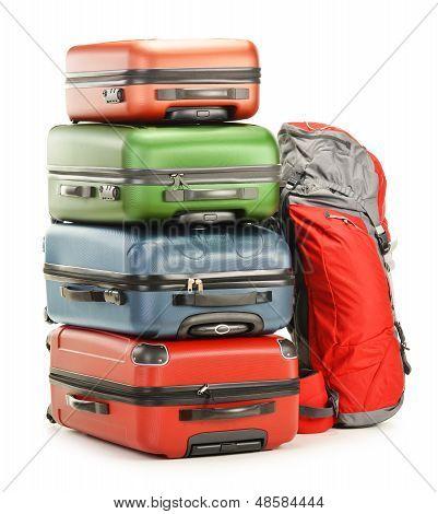 Equipaje consistente en mochila y maletas grandes