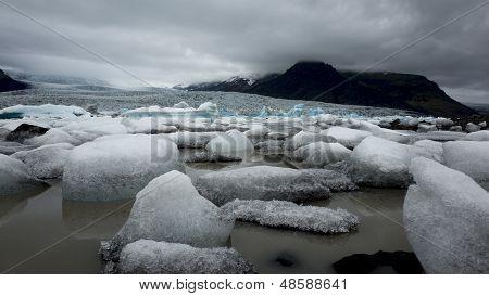 Round icebergs
