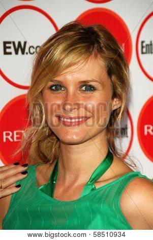 LOS ANGELES - AUGUST 26: Bonnie Somerville at the Entertainment Weekly Magazine's 4th Annual Pre-Emmy Party in Republic on August 26, 2006 in Los Angeles, CA.