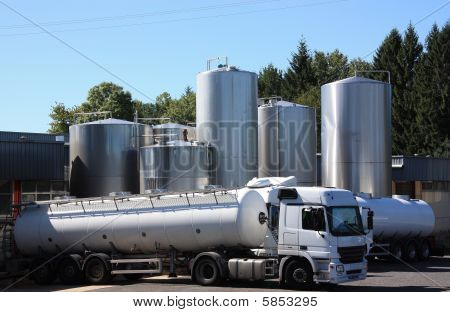 Milch-Tanker