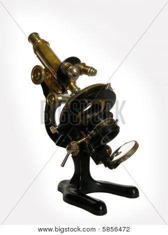 El microscopio de bronce antiguo