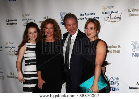 Kaitlyn Dever, Nancy Travis, Tim Allen, Amanda Fuller at the 2013 Midnight Mission's
