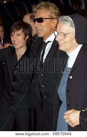 Darren Romeo, Siegfried Fischbacher and his sister Sister Dolores at the 36th Annual Academy of Magical Arts Awards Show, Henry Fonda Music Box Theatre, Hollywood, CA. 05-01-04