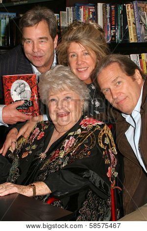 Dorothy Bridges with her children Beau Bridges, Lucinda Bridges and Jeff Bridges at the Dorothy Bridges Book Signing for her new book at Barnes & Noble at Farmer's Market, Los Angeles, CA. 01-27-05