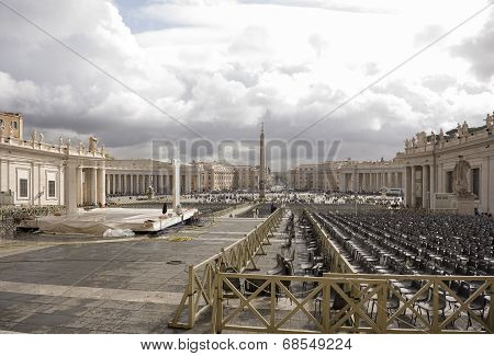 Tourists Visiting St. Peter's Square. Workers Cleaned Area